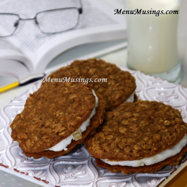 http://menumusings.blogspot.com/2013/09/chewy-oatmeal-sandwich-cookies-with.html