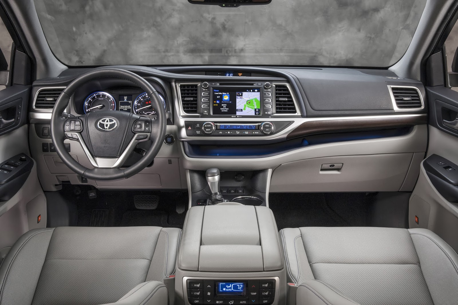 Pros: We are smitten with the new exterior design of the 2014 Highlander.  The new design moves beyond just appealing to women, but to men too, ...