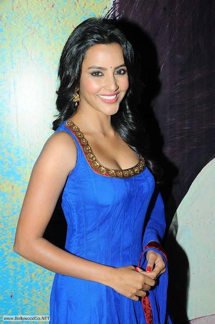 Priya+Anand+blue+(5)