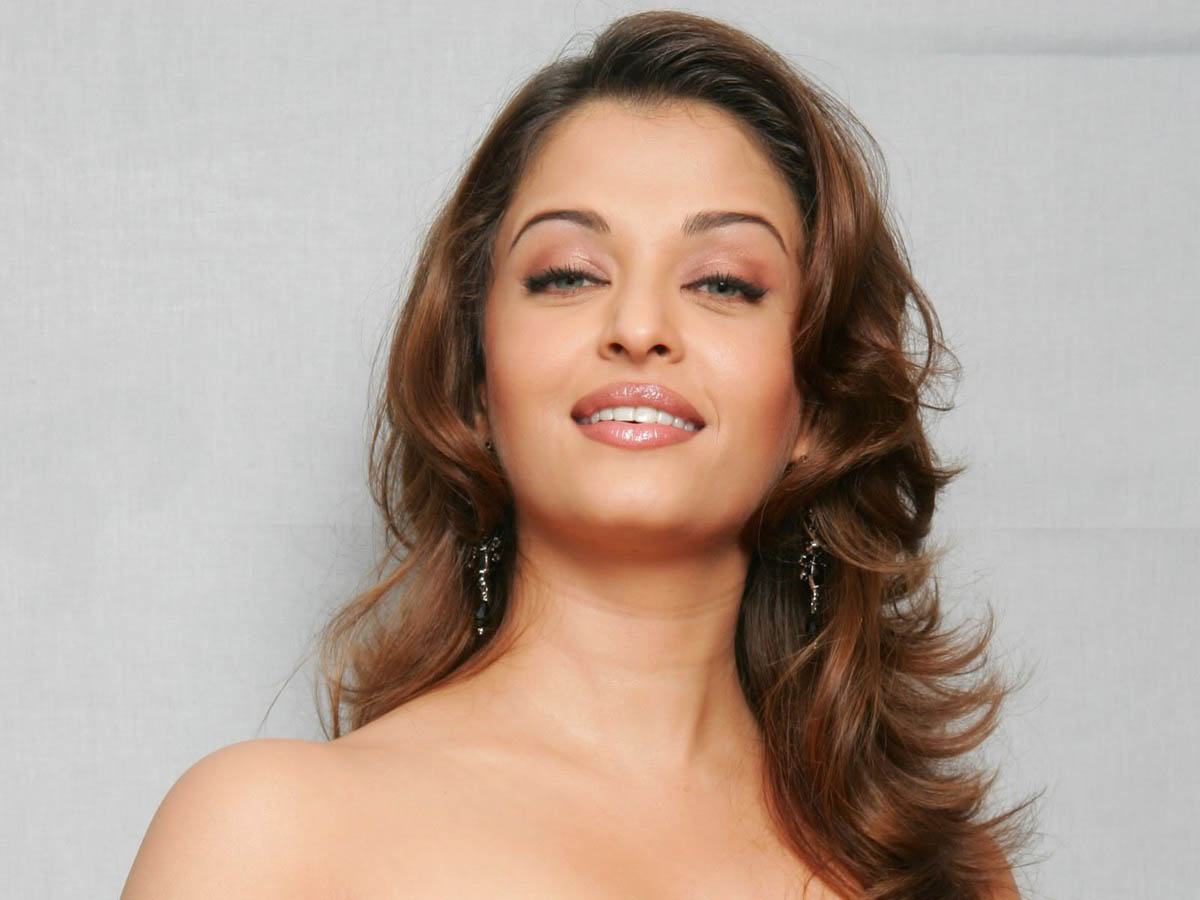 /AAAAAAAABEM/JT5dAEx3lQw/s1600/aishwarya-rai-photos-without-dress.jpg