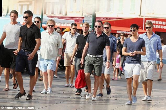gaygroup escorte girl melbourne