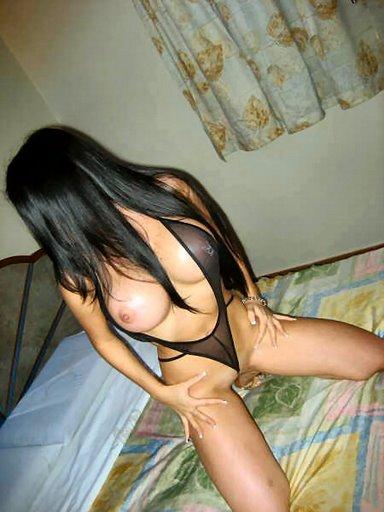 FotosNua.Com Olha o tamanho dos peitos dessa gostosa. Ela ainda adora dar o cuzinho
