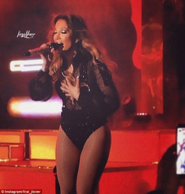 Jlo in Udaipur performing