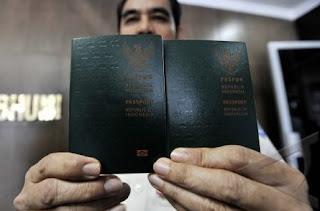 mengurus paspor tki data palsu