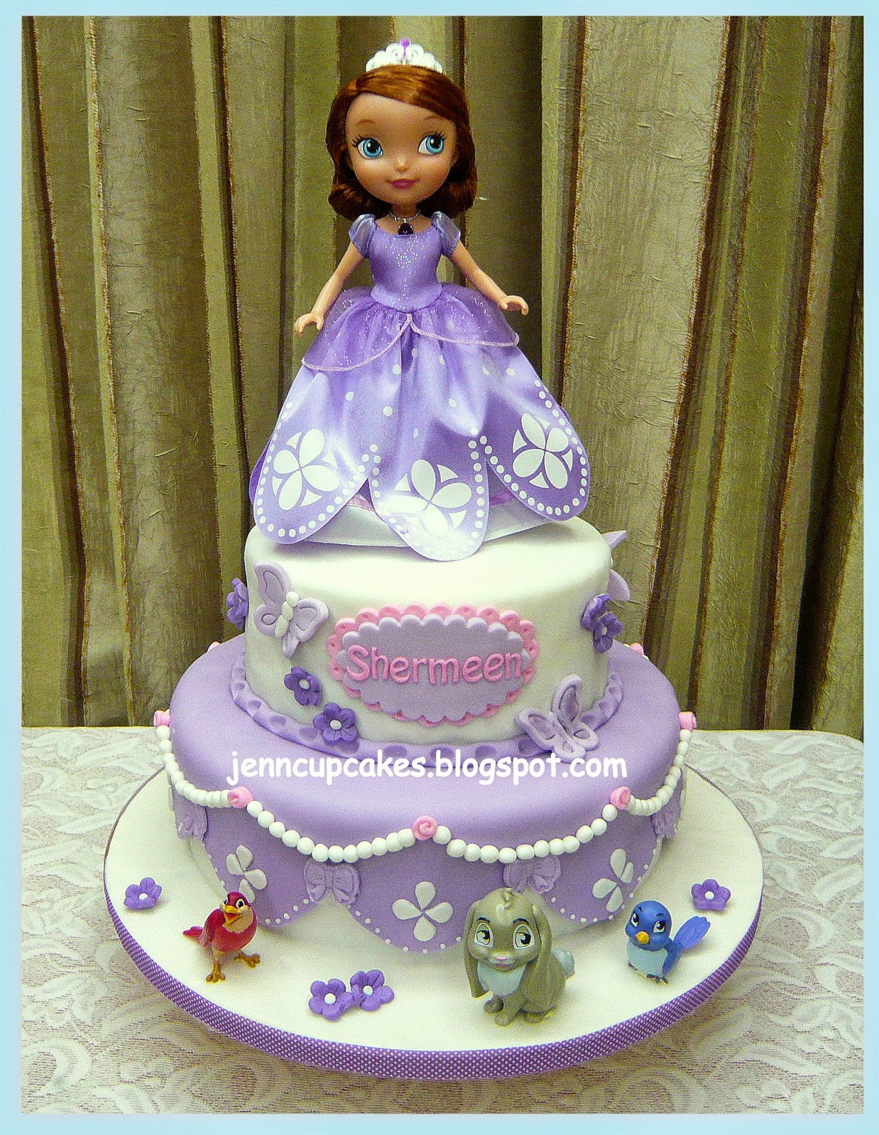 Jenn Cupcakes Amp Muffins Sofia The First Cake Amp Cupcakes