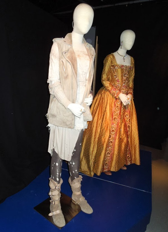 Doctor Who Billie Piper Queen Elizabeth Day of Doctor costumes