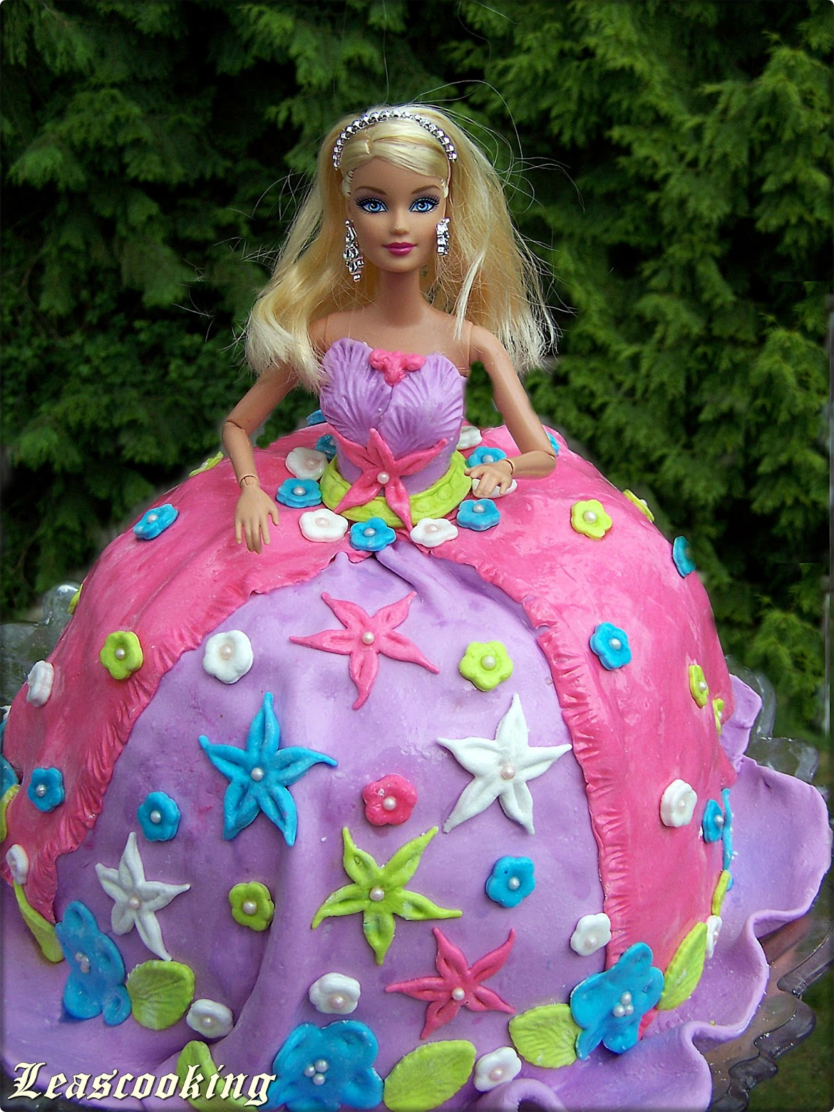 Lea 39 s cooking princess barbi cake - Barbi princesse ...