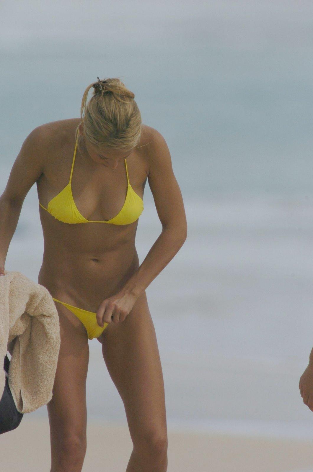 http://1.bp.blogspot.com/-ml5DxecBRiY/TnvorjFBQPI/AAAAAAAABPM/YuuvwAsW1pE/s1600/anna-kournikova-bikini-sexy-pictures+%25282%2529.jpg