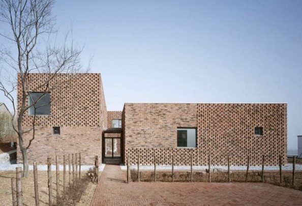 Modern design brick house in china brings an innovative for Modern chinese house design