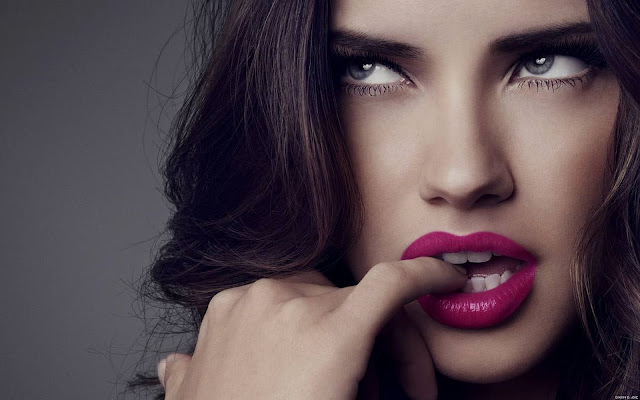 Sara Sampaio Biography and Photos