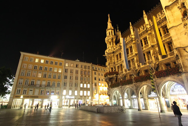 More shopping outlets at St Mary Square, Marienplatz in Munich, Germany