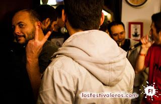 """9. La edición de 2015 del Festival Cultures Bar-bars ha sido una expresión de resistencia tras los atentados en Paris. """"Llamamos a todos nuestros conciudadanos a venir a hacer acto de resistencia, yendo a los conciertos, a los espectáculos, saliendo de fiesta y continuando a vivir libres!"""""""