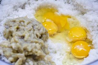 mashed-bananas-and-eggs-and-creamed-sugar