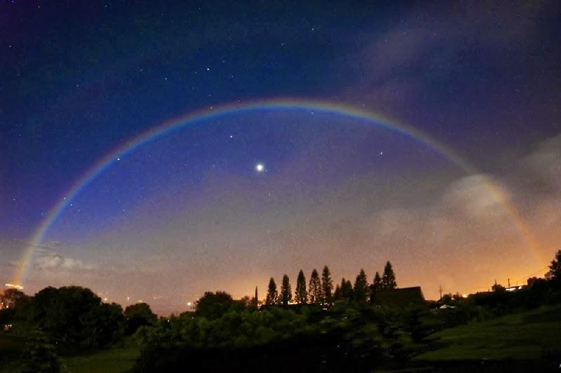 Bienvenidos al nuevo foro de apoyo a Noe #272 / 03.07.15 ~ 09.07.15 - Página 4 Arco+iris+Lunar,+tambien+conocido+como+arco+iris+blanco+o+arco+Lunar+...
