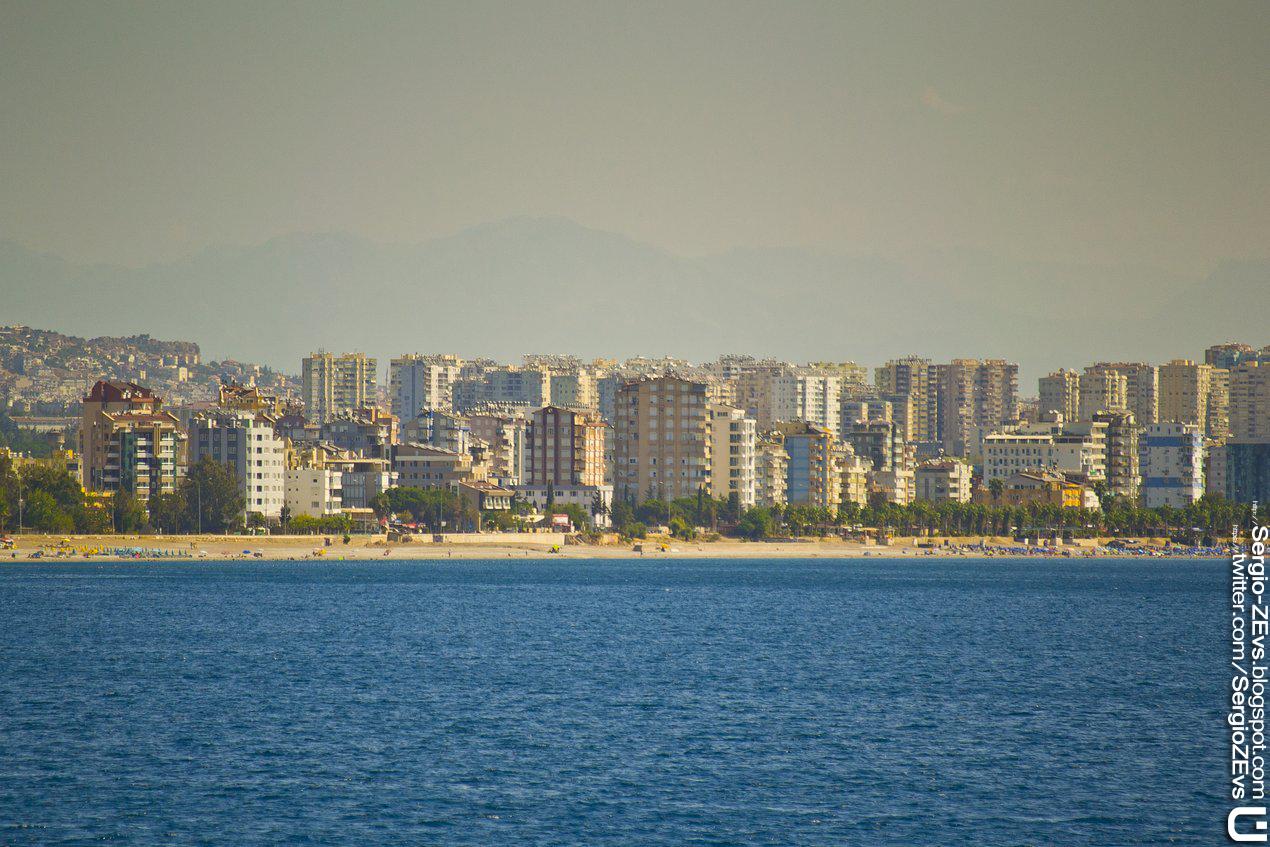 Море в Анталье