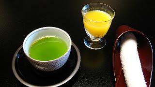 فوائد الشاي الاخضر والليمون