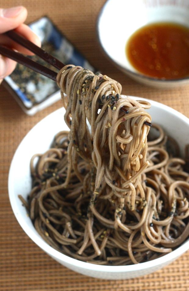 Soba Noodles with Furikake (Japanese Seaweed Seasoning) recipe by SeasonWithSpice.com