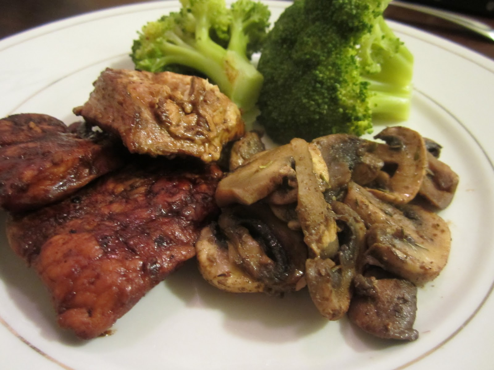 ... : http://www.food.com/recipe/balsamic-chicken-and-mushrooms-54726
