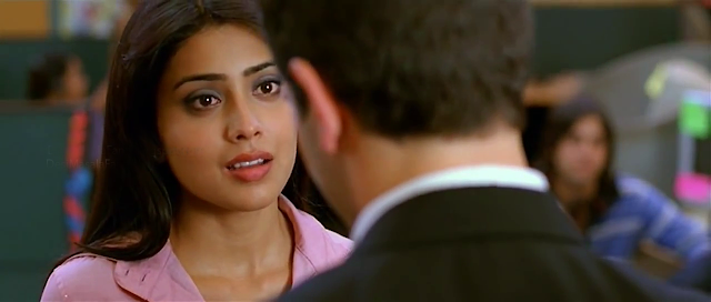 Shriya Saran hot smooch