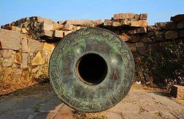 Mouth of Gun Cannon in Golconda Fort