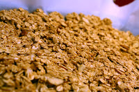 http://foodiefelisha.blogspot.com/2012/09/healthy-easy-granola.html