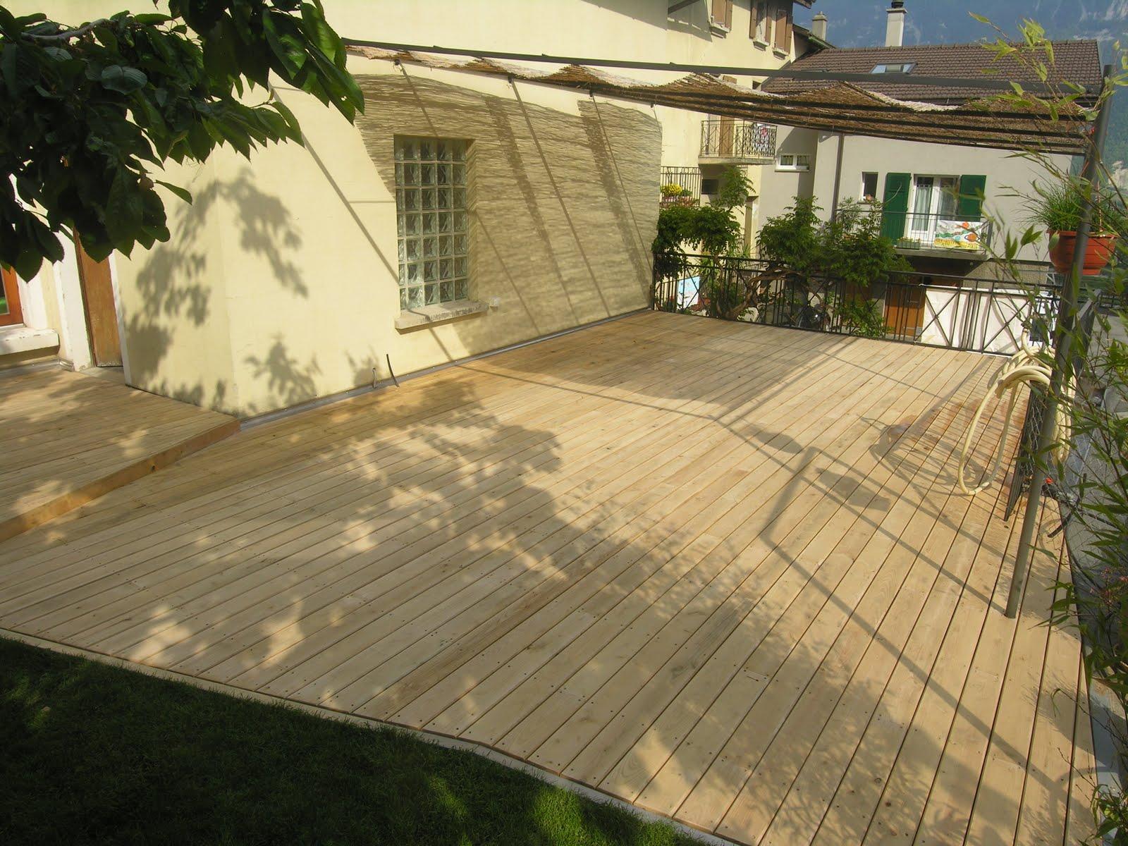 terrasse bois non traite diverses id es de conception de patio en bois pour votre. Black Bedroom Furniture Sets. Home Design Ideas