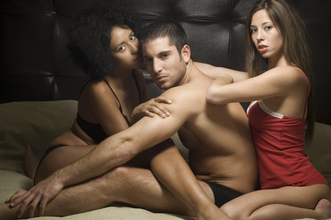 Женская бисексуальность групповой секс