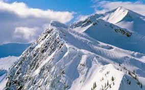 white-snowy -peak-mountain-beautiful-nature-wallpapers-images