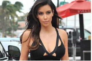 Kim kardashian sale a la calle sin ropa interior for En la calle sin ropa interior
