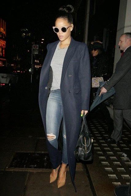 Os melhores looks de Dezembro -  Rihanna