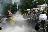 Demo Ricuh Tolak Kenaikan BBM di Depan Istana Bogor