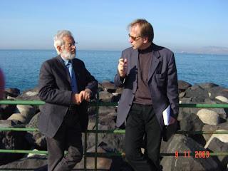 Leopoldo Antinozzi durante l'intervista a Mimmo Jodice