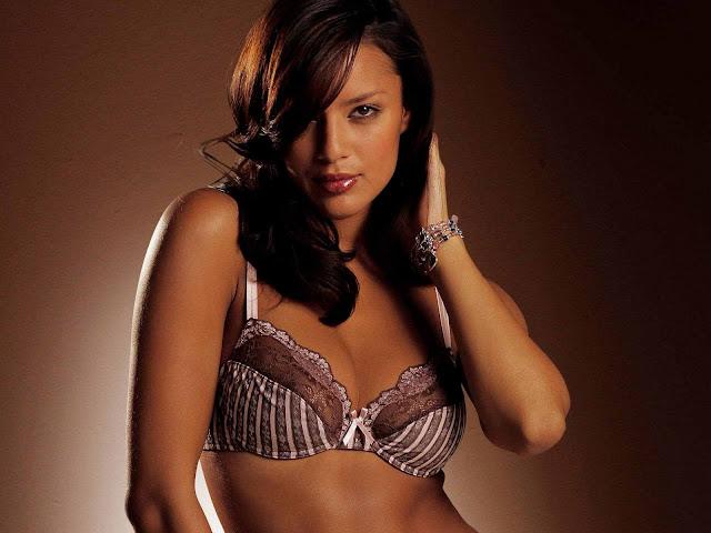 Super Model Chelina Manuhutu sexy in underwear fashion