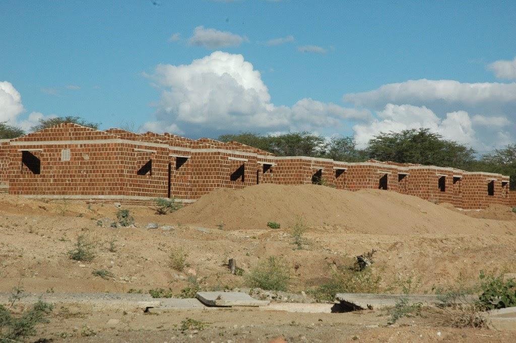 Obras de 40 casas populares em São João do Tigre estão a todo vapor