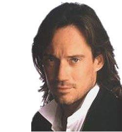 Kevin sorbo, aktor mantan pemeran &;hercules&; aktor, sedang berada
