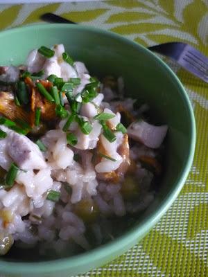 risotto z kurczakiem, kurkami i groszkiem