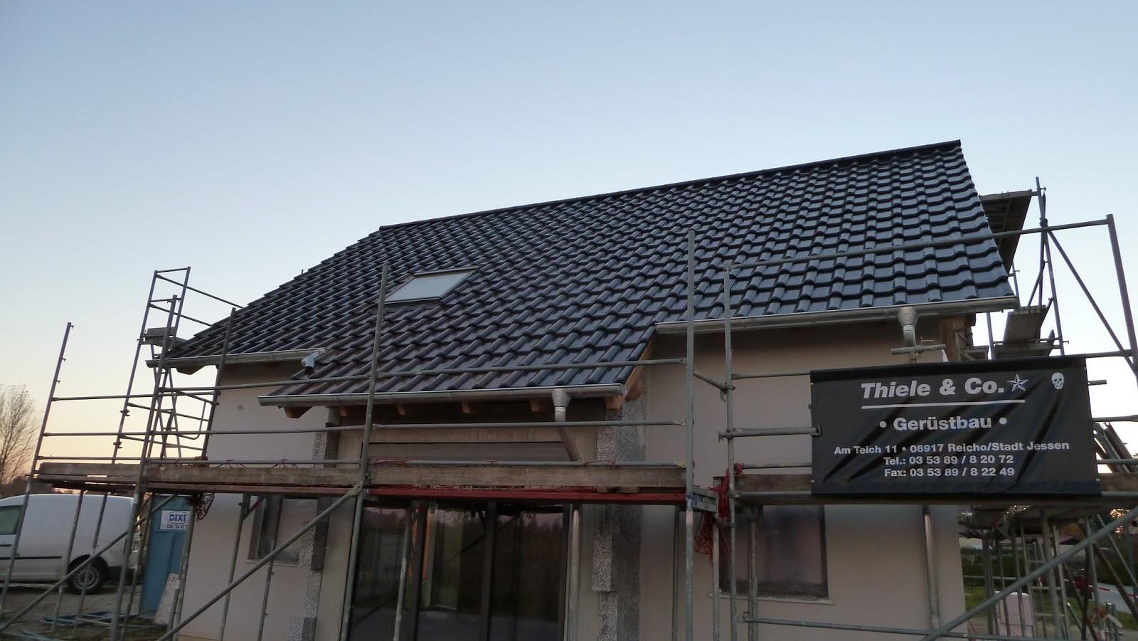 hausbau von christian und jeannette mit der firma deko hausbau gmbh das dach ist dicht und die. Black Bedroom Furniture Sets. Home Design Ideas