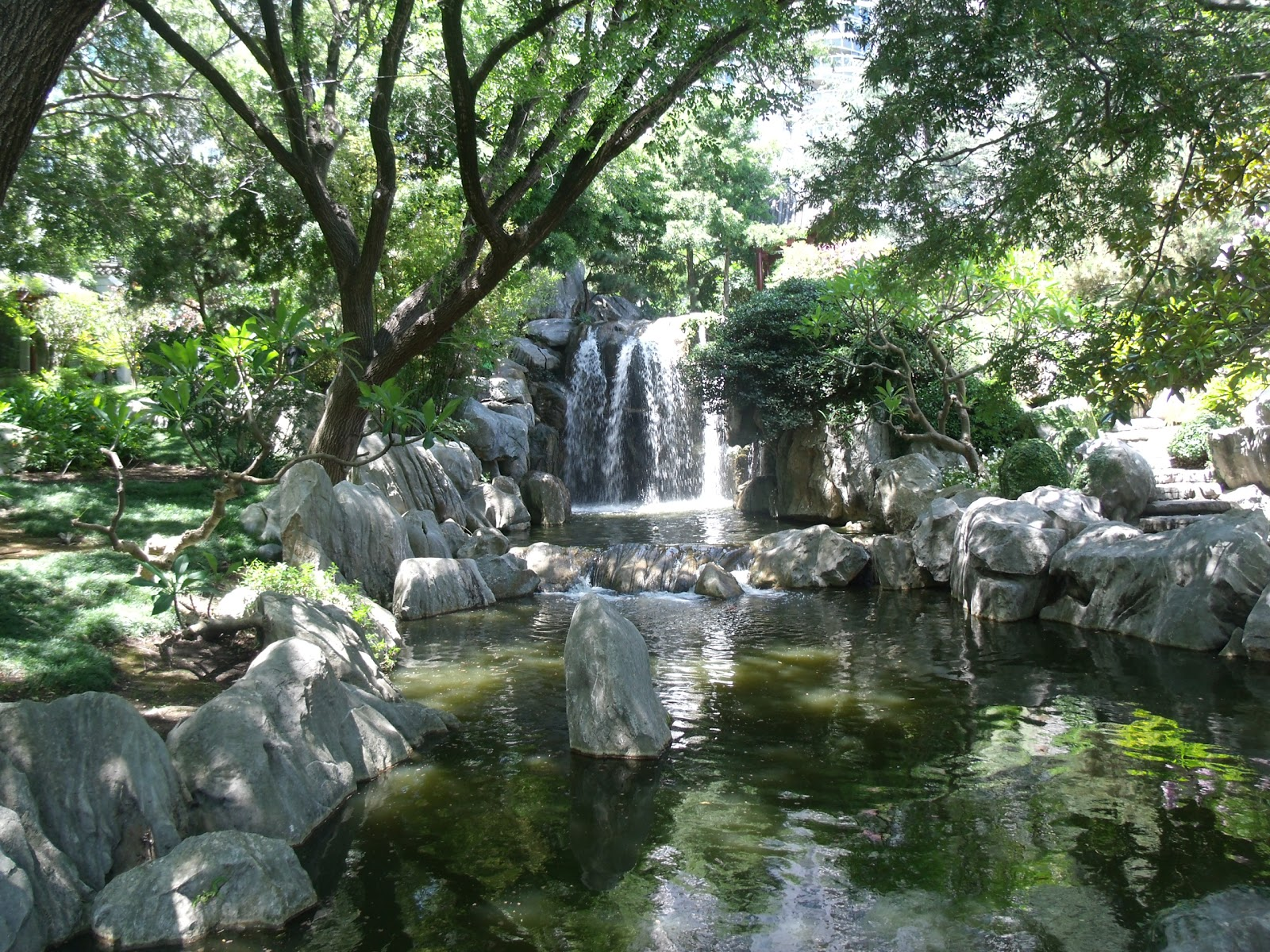 Sydney travel sydney walks places to see chinese garden - How to create a chinese garden ...