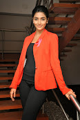 Pooja hegde latest photos-thumbnail-7