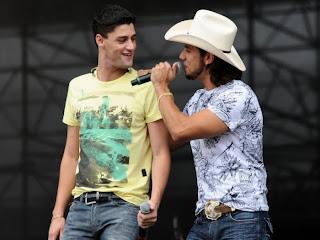Agenda - Munhoz e Mariano - Julho 2012