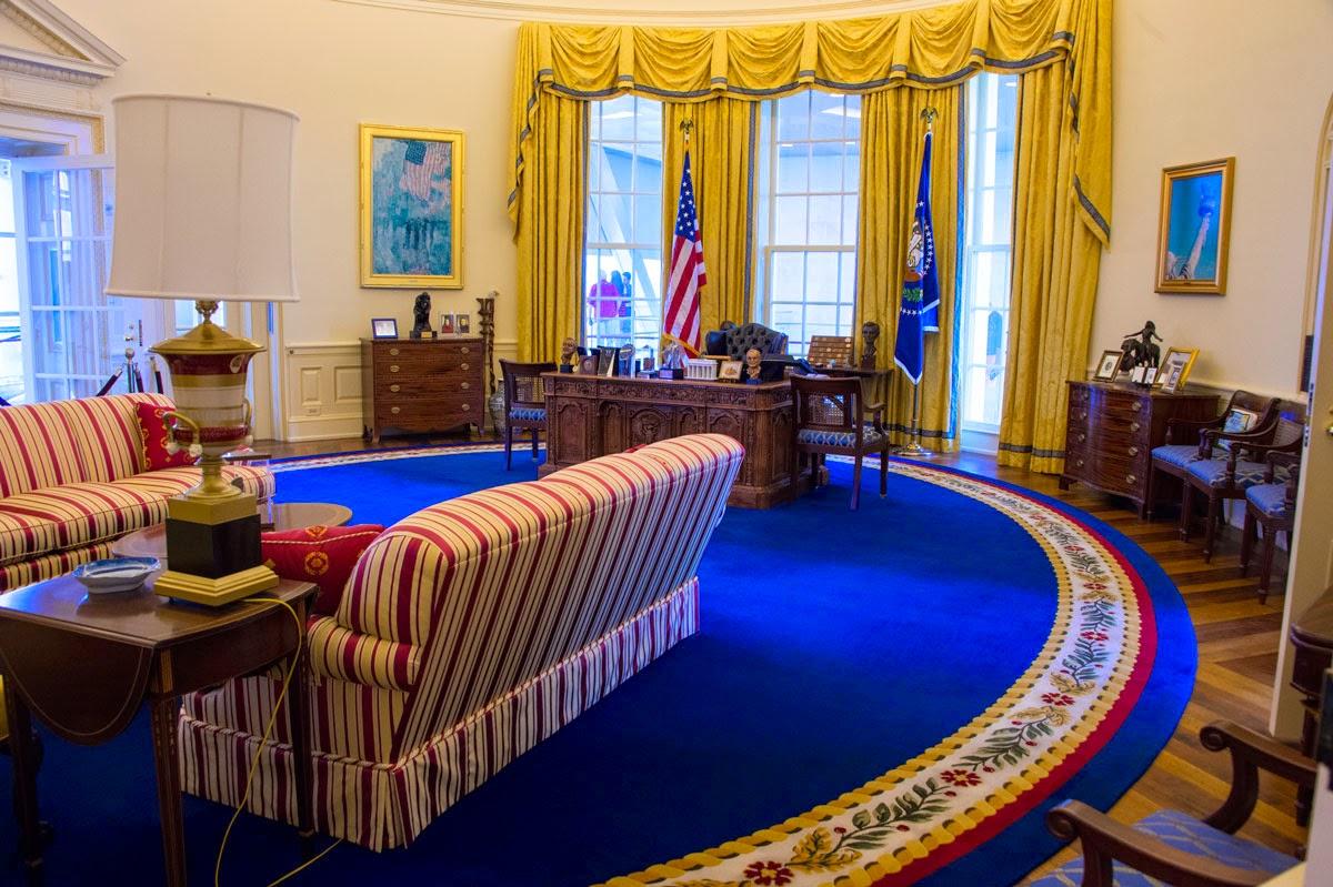 ... Oval Office Decor Kissack Adventures Clinton Presidential Center Little  Rock ...