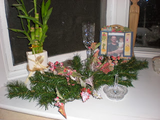 Decorated Kitchen Window for Christmas
