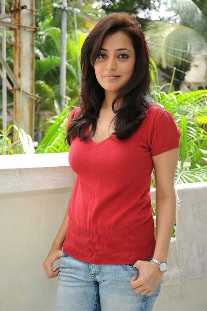 Nisha Aggarwal Actress Hot Photos Navel Queens