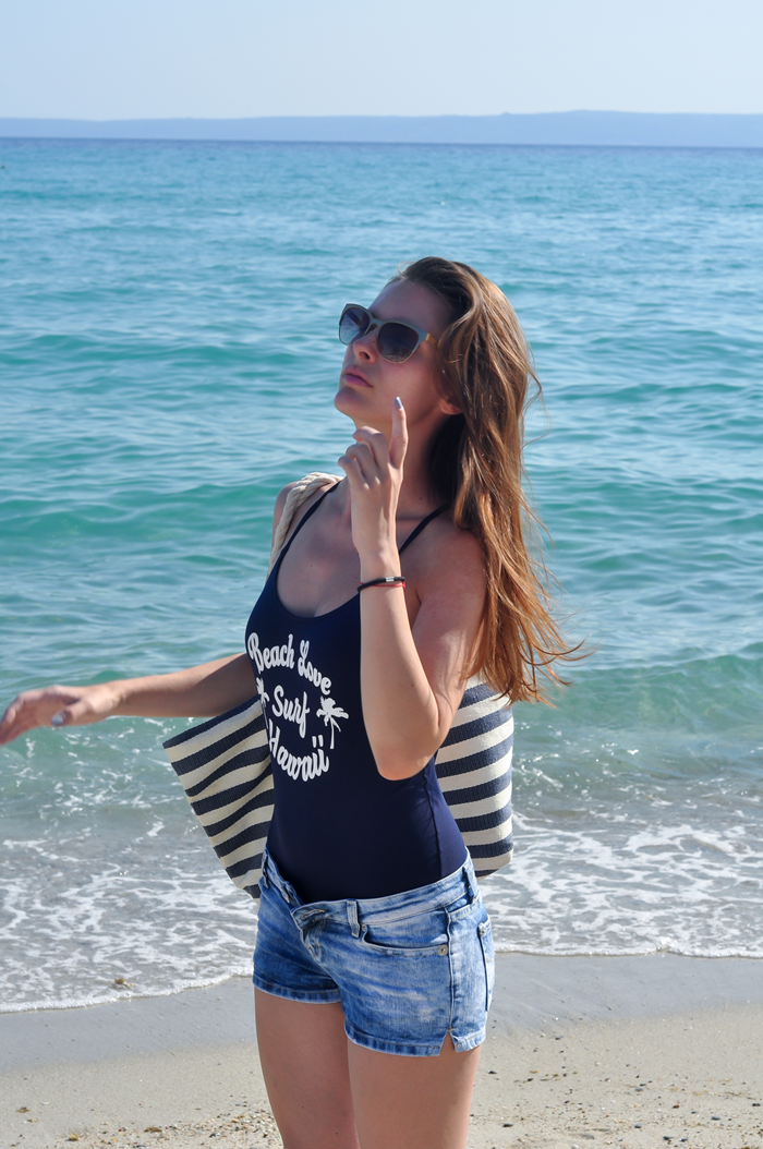 aleksandra skorupan, velvet and milk blog, beach style, greece