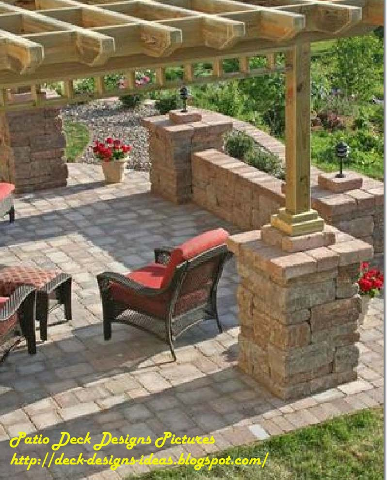 patio layout small backyard