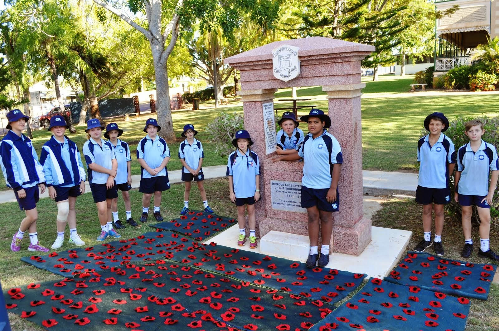 Yr 6 Students Admire Junior School Anzac Commemorations