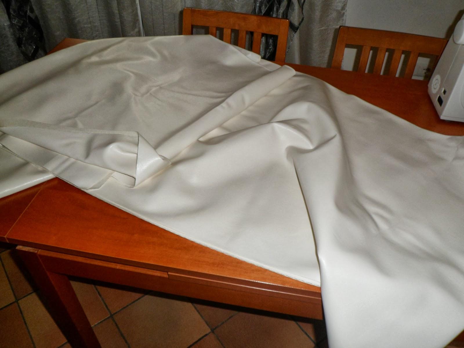 Fiori di stoffa rivestire un divano tutorial for Rivestire divano