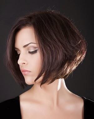 Peinado fácil con puntas hacia afuera y plancha (para pelo corto  - Peinados Puntas Para Afuera