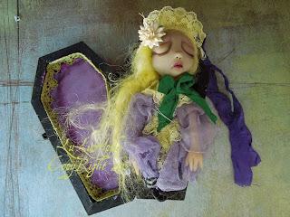 lulusaple coffin mini art doll