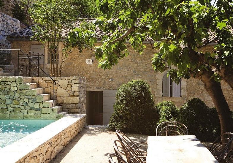 En provence d cor contemporain dans maison m di vale Maison de provence decoration